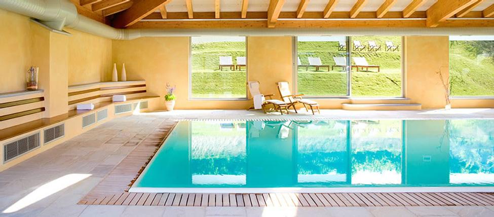 Piscina hotel in piemonte alba borgomale bed - Hotel con piscina coperta ...